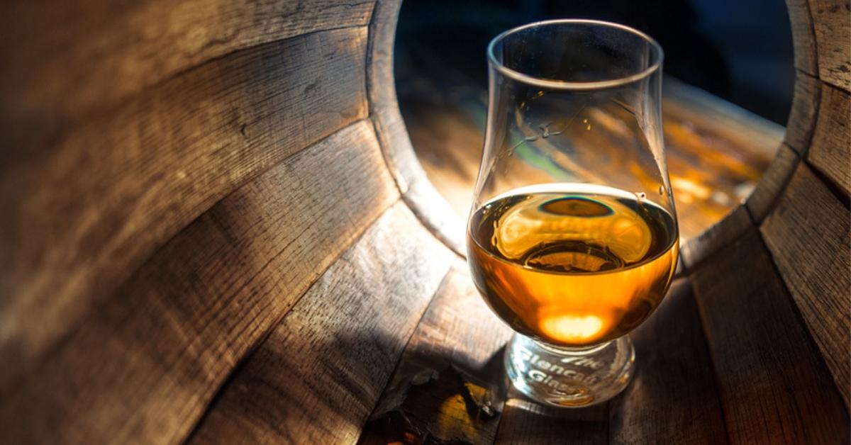 【威士忌入門】威士忌,放越久越好喝?三分鐘,帶你看懂威士忌該喝年輕還是陳年!