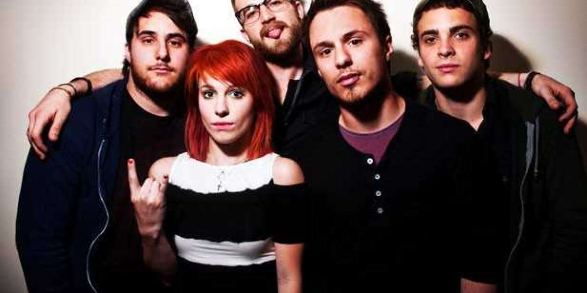 Paramore Split Gets Ugly? Farro Blog Airs Band's Dirty Laundry