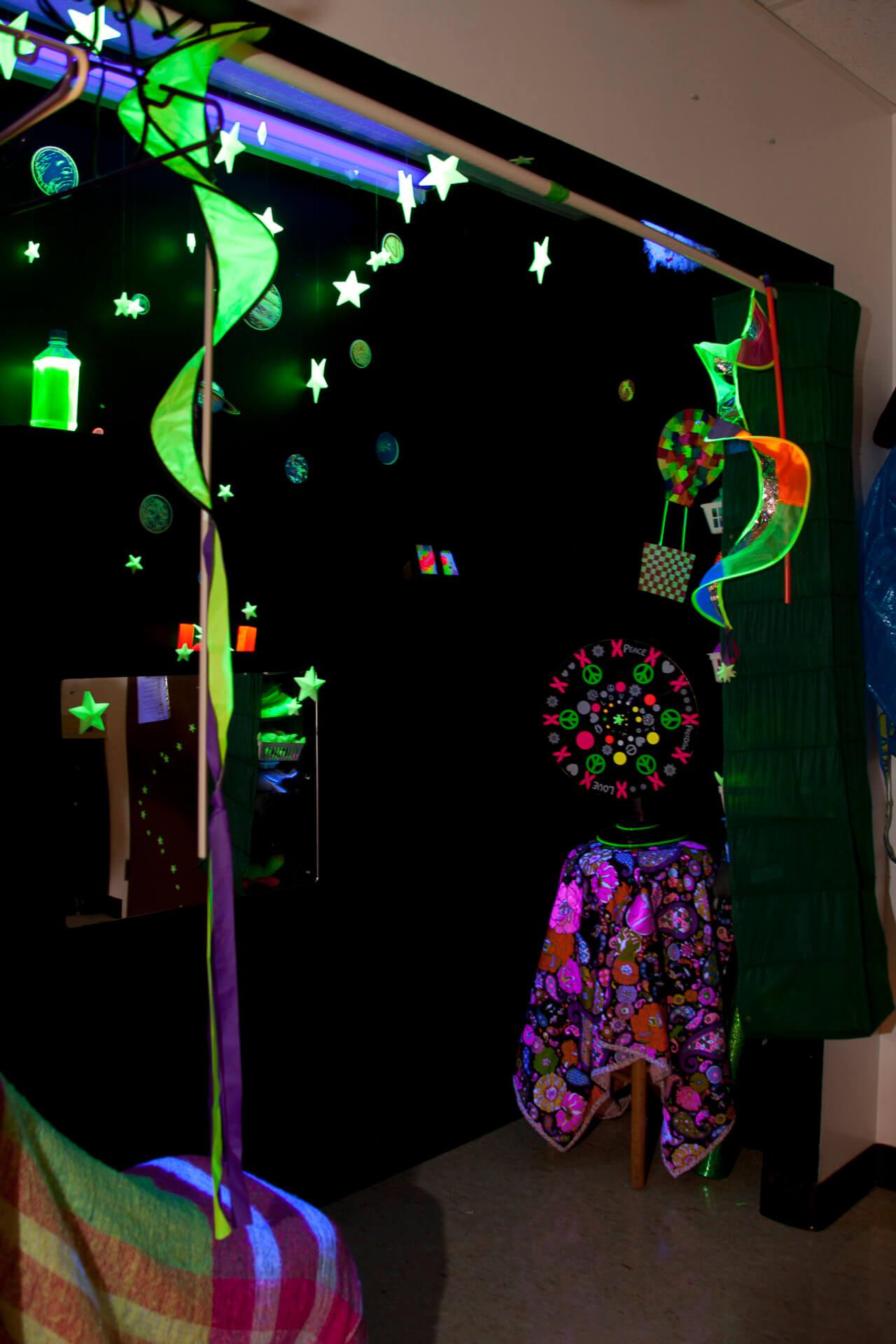 glow in the dark decorations