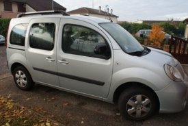 Adapted car rental: Renault Kangoo