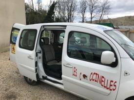 Voiture adaptée à louer : Renault TECH Kangoo