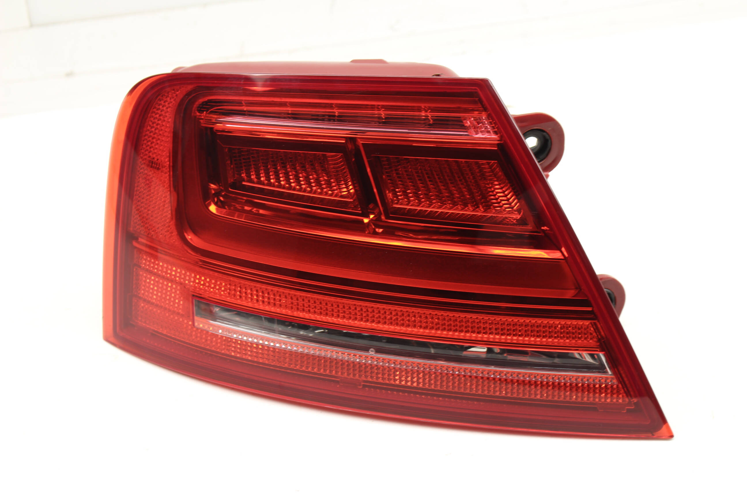 AUDI A8 D4 OEM TAIL LIGHT LAMP LEFT