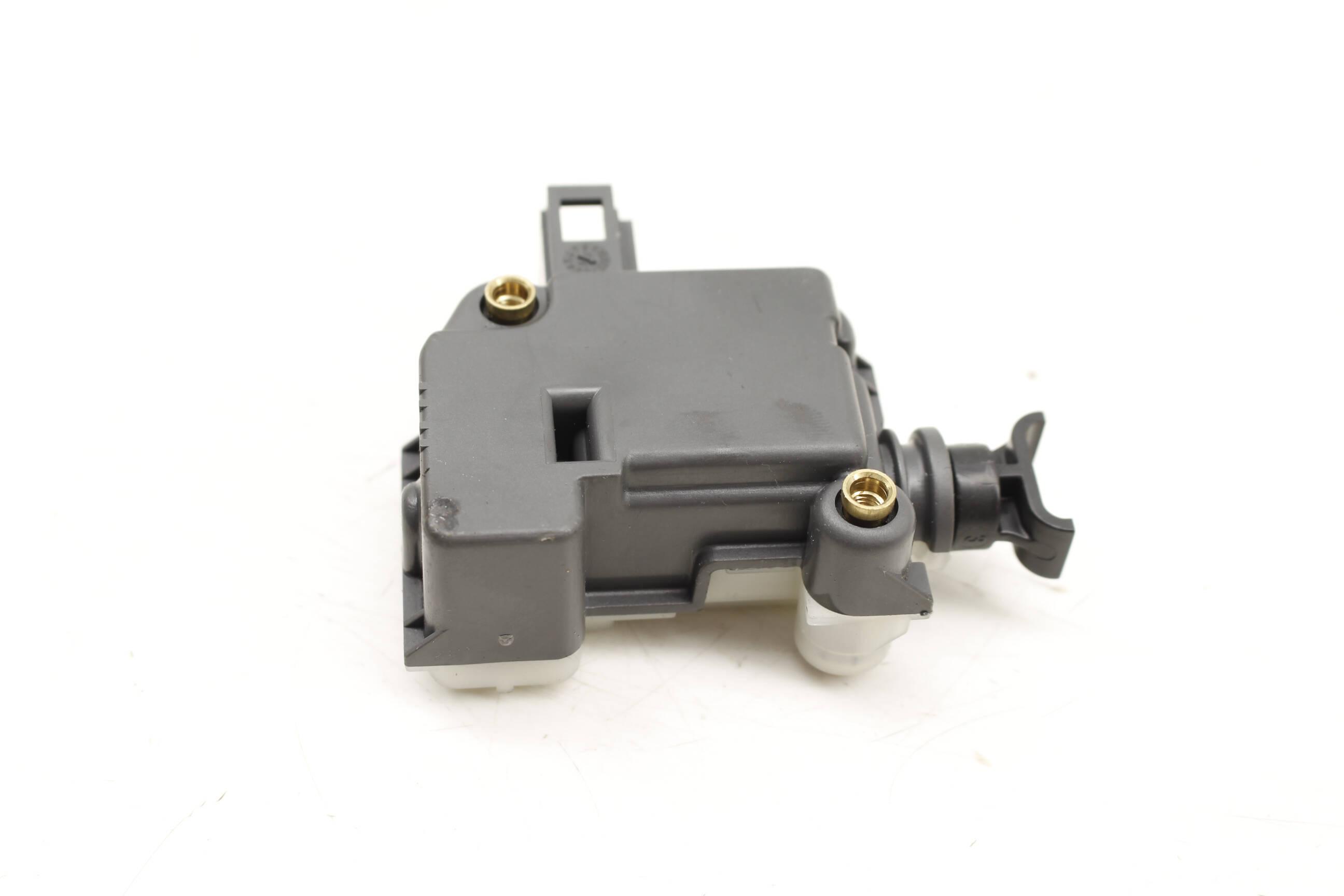 For 2004-2010 Volkswagen Touareg Trunk Lock Actuator Motor Rear 34998JN 2005