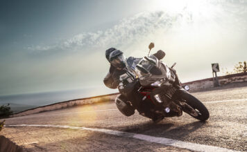 Adventure Calls As Kawasaki Unveil All‑new 2021 Versys 1000 S And Updated Versys 1000 Se 01
