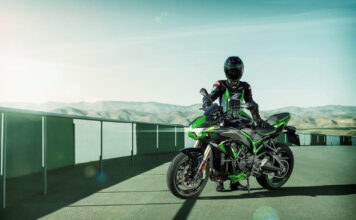 Kawasaki's Supercharged Z H2 Se Blasts Into 2021