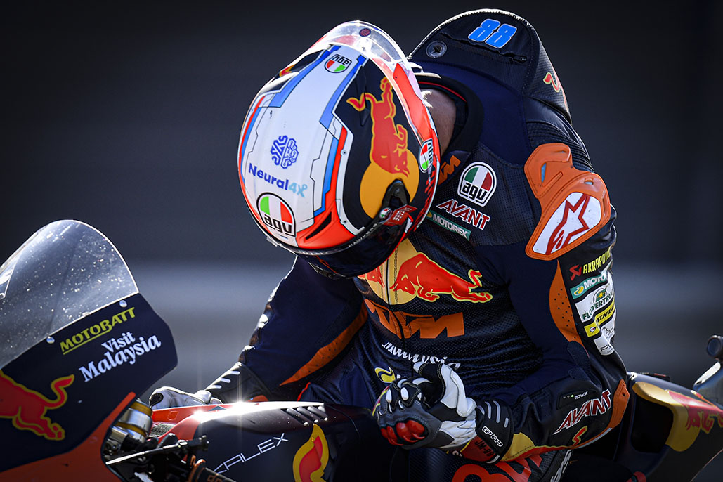 Martin Fends Off Garzo As The Gloves Come Off In Moto2™