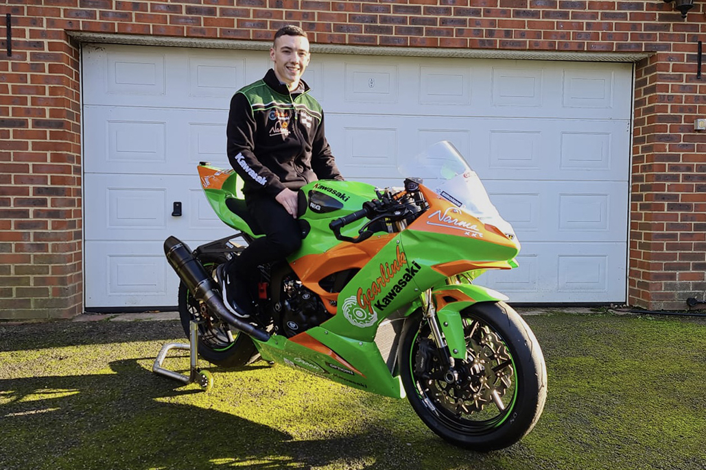 Gearlink Kawasaki Sign Currie And Mcglinchey For 2021 British Supersport Challenge