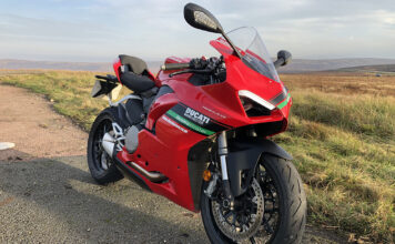 Ducati Panigale V2 Review 01