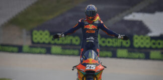 Fernandez Flies To First Moto2 Victory