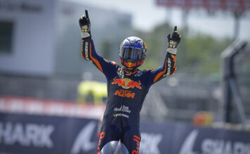 Fernandez On Fire In France For Second Moto2 Win