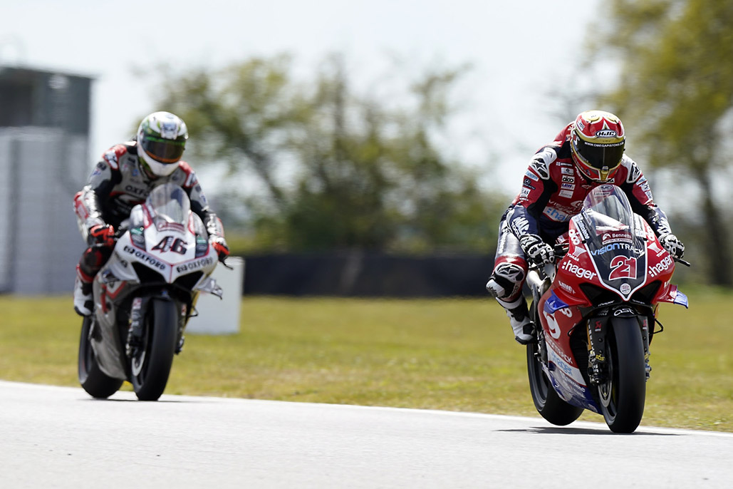 Iddon Sets The Pace On Snetterton Return As Testing Continues For Bennetts Bsb Contenders