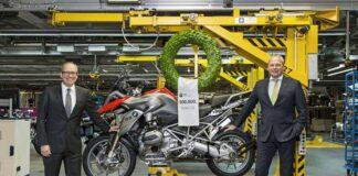Bmw Motorrad Factory Celebrates Building 500,000th Boxer-powered Gs Motorcycle
