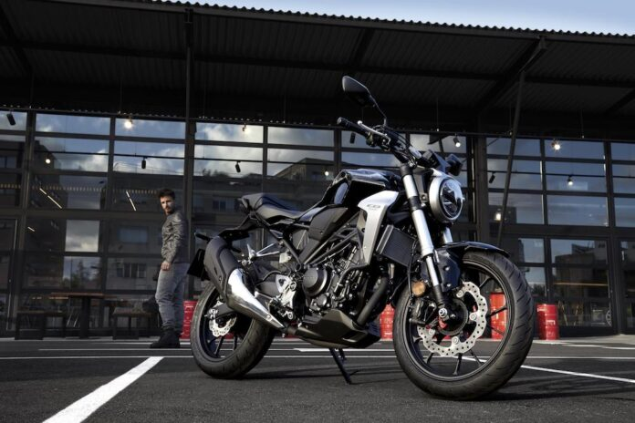 Honda Cb1000r And Africa Twin Adventure Sports Set For Uk Debut At Motorcycle Live