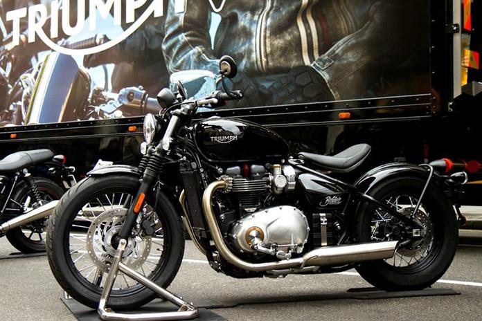 Triumph 's Bonneville Bobber Makes Uk Public Debut