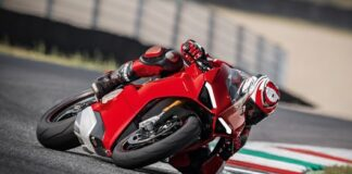 The New Pirelli Diablo™ Supercorsa Sp Makes Its Debut On The Ducati Panigale V4
