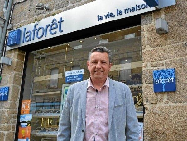 Jean-Luc Léon dirige l'agence Laforêt Immobilier de Guingamp