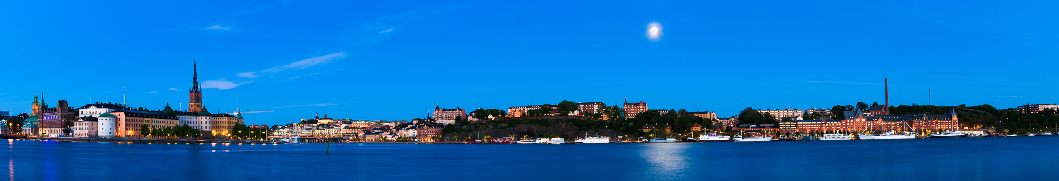 The sRGB version of Moonrise, Stockholm, Sweden