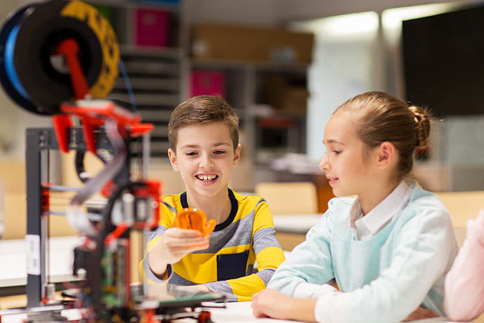 3D printing students classroom