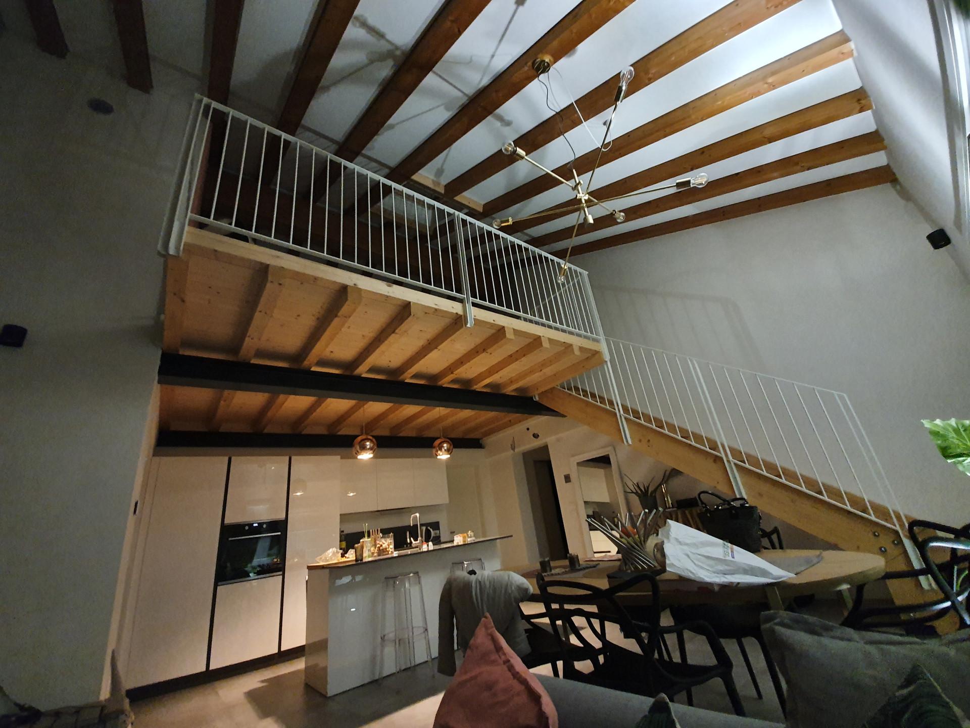 Completamento lavori e recupero di sottotetto in alloggio duplex a Conegliano (TV) in complesso di tre unità abitative