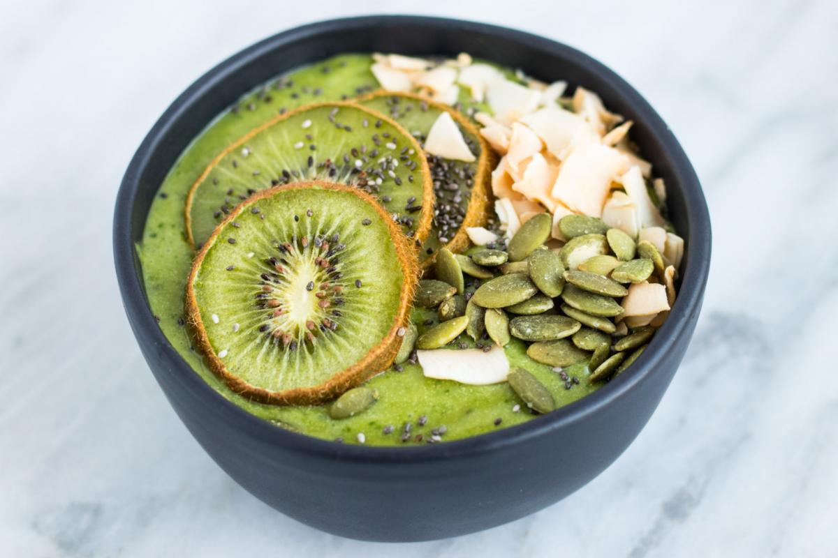 green matcha smoothie bowl