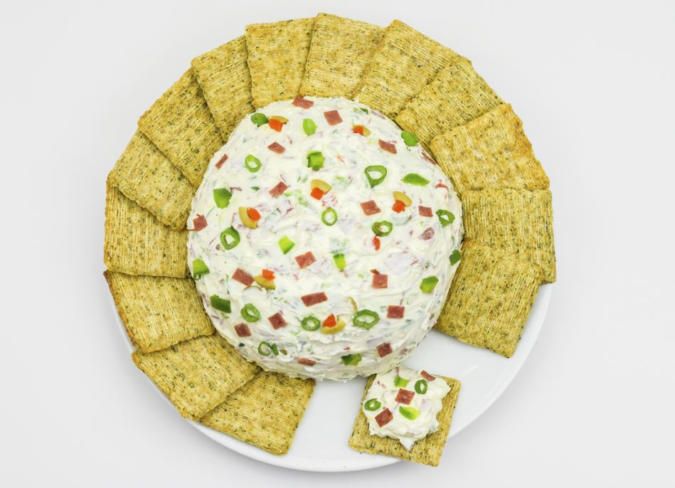 Dip with crackers