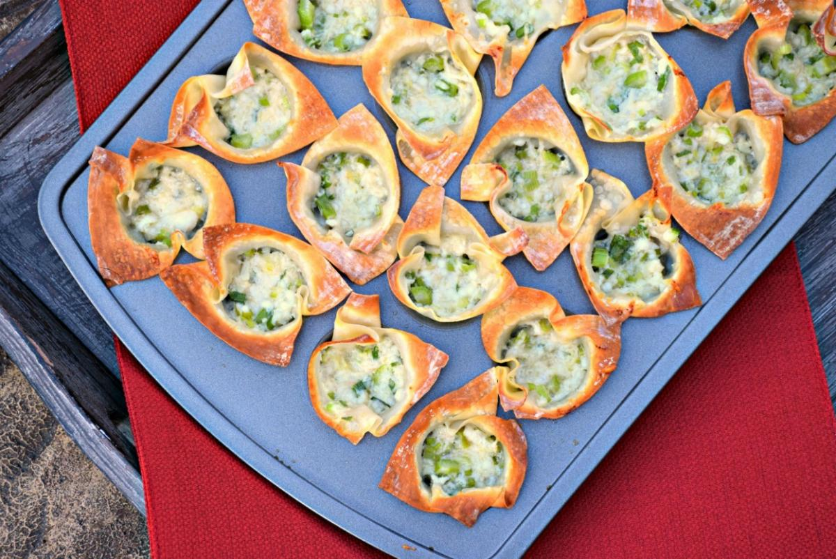crab and cheese wonton cups