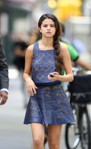 selena-gomez-casual-style-out-in-new-york-city-may-2014_1