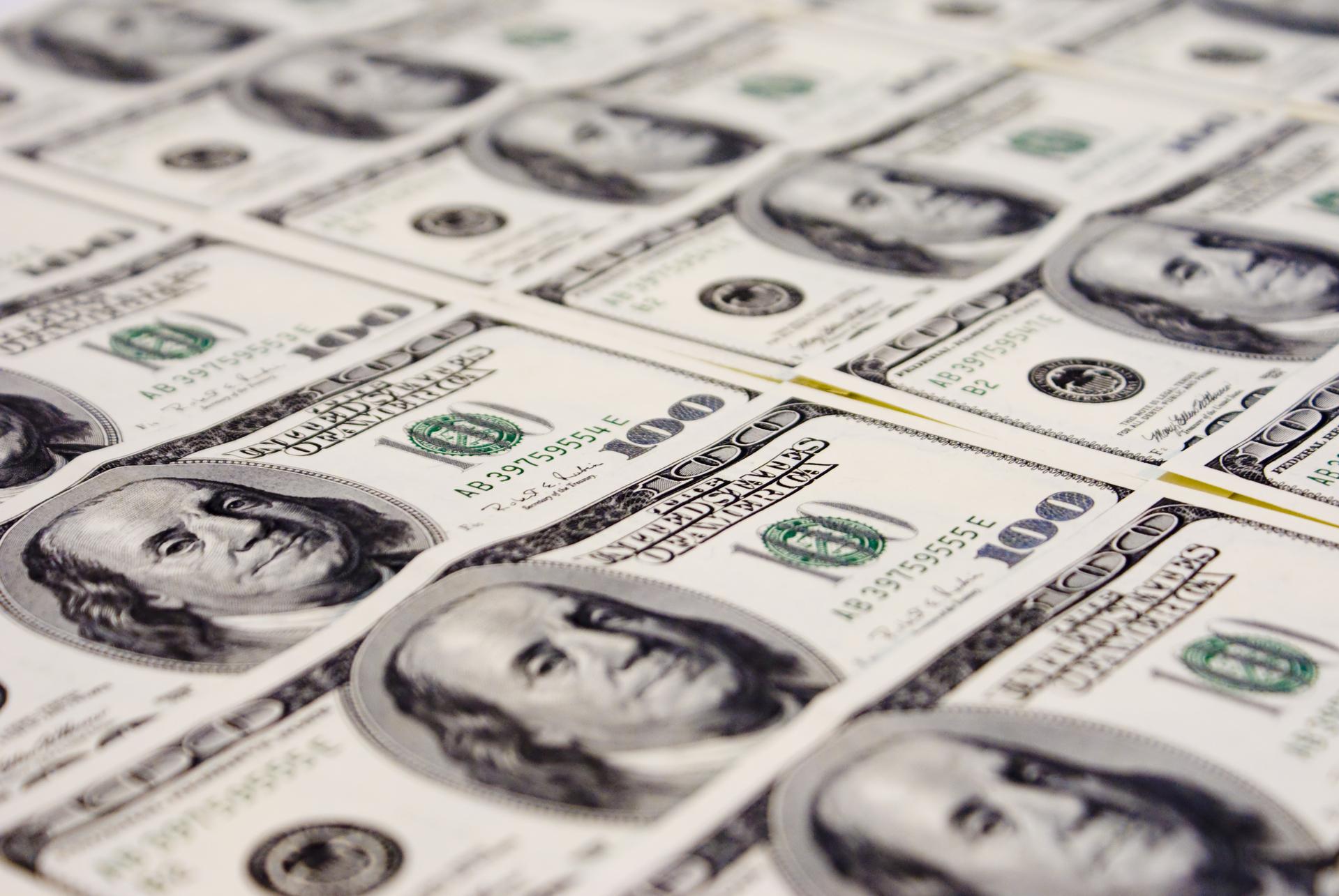 Dólar cai 0,732% a R$ 5,4252 após forte alta na semana anterior