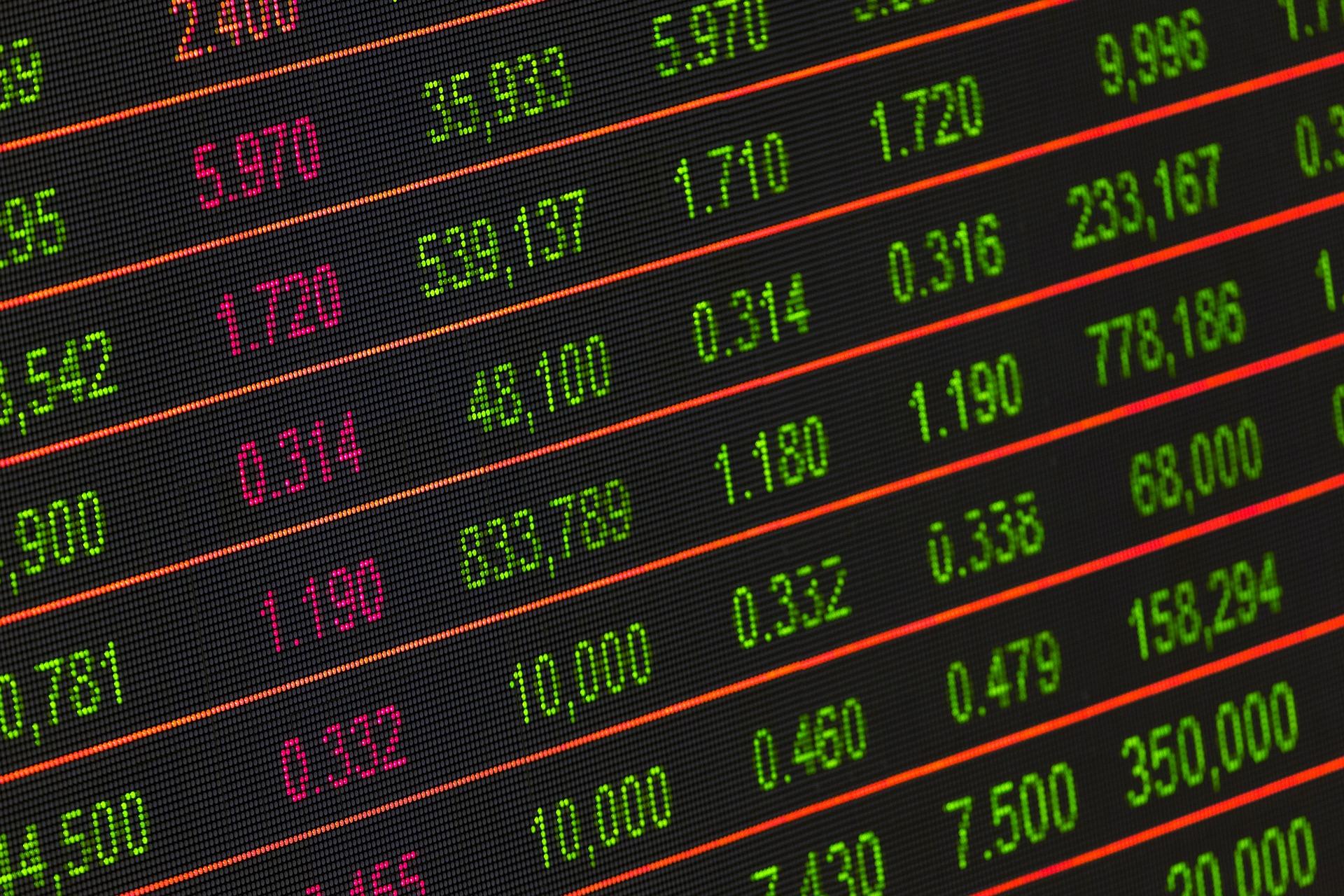 Índices futuros de NY e bolsas europeias operam em alta