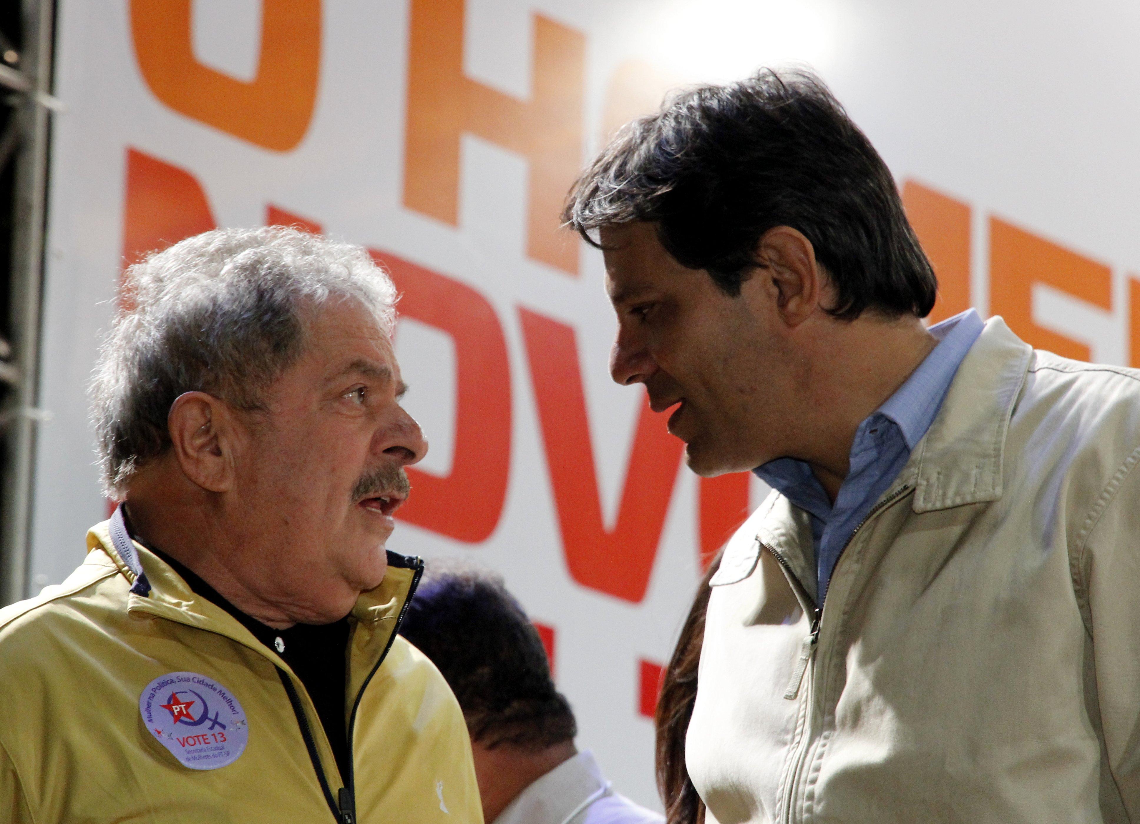 Fernando Haddad deve substituir Lula na corrida eleitoral em cima do prazo do TSE