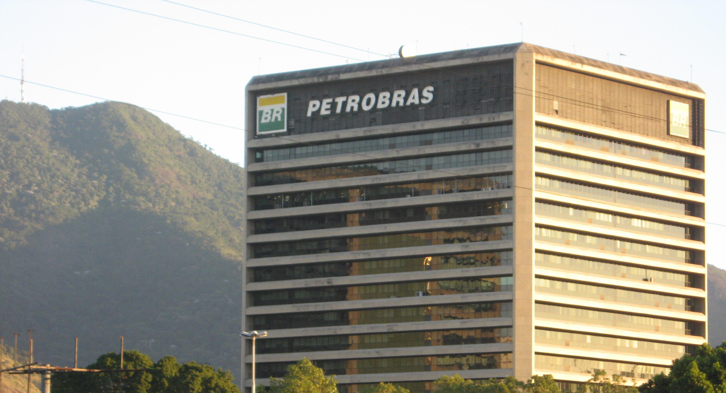 Ministro do STF suspende ações trabalhistas contra a Petrobras (PETR4)