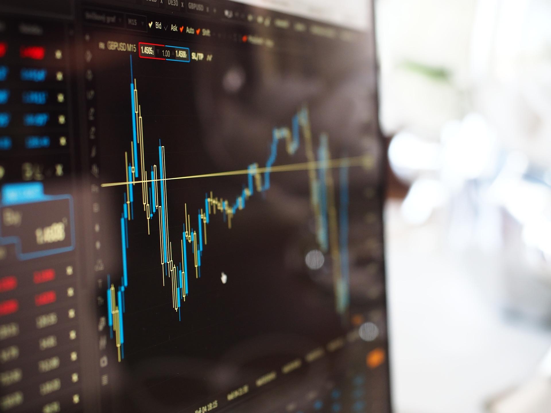 Índices futuros de NY em alta; bolsas europeias operam instáveis