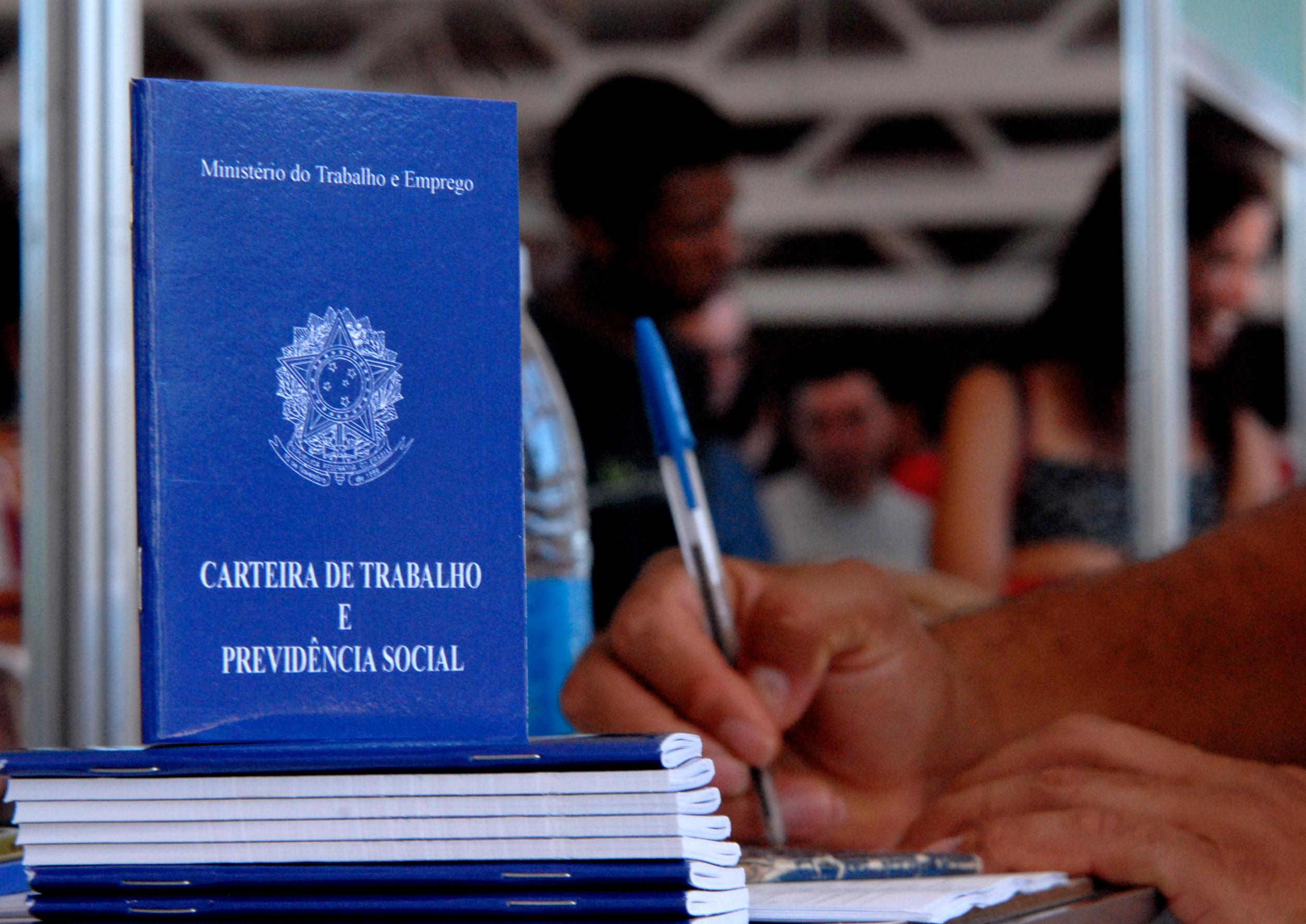 Brasil cria 34,3 mil empregos formais em janeiro, 56% menos que em 2018
