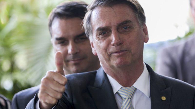 Flávio Bolsonaro obteve 48 depósitos suspeitos em sua conta, aponta COAF