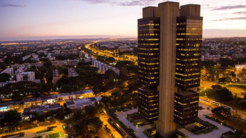 Banco Central decide cortar taxa Selic de 6,5% para 6%