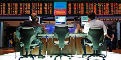 Ibovespa abre em leve alta; relatório de inflação e Renda Cidadã no radar