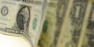Dólar encerra em queda de 0,933%, cotado em R$ 5,0334