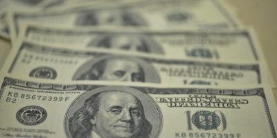 Dólar encerra em alta de 0,65%, cotado a R$ 4,35
