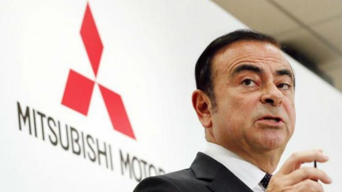 Carlos Ghosn pode sair da prisão se confessar culpa, diz filho
