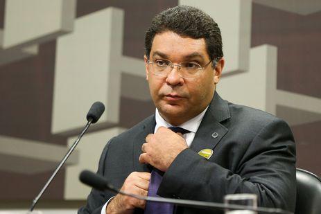 Mansueto de Almeida deixa cargo de secretário do Tesouro Nacional