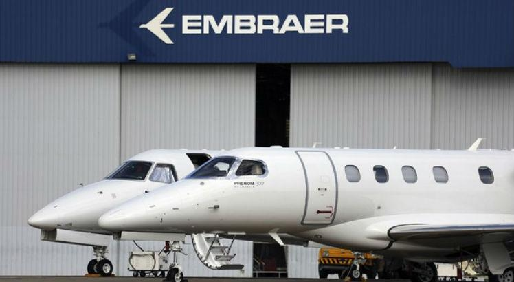UE suspende análise do contrato entre Embraer e Boeing
