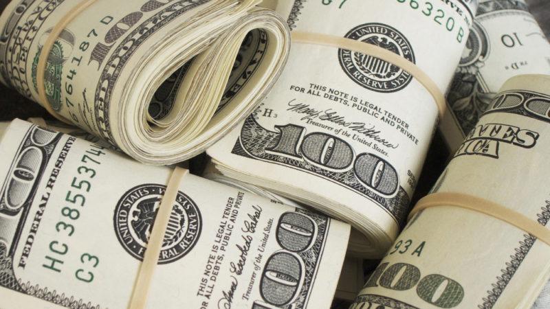 Dólar encerra em queda de 0,3%, cotado em R$ 4,18
