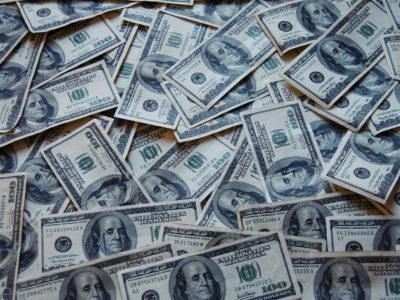 Dólar encerra em queda de 0,704% cotado a R$ 4,0897