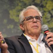 O setor petrolífero enfrenta um ambiente de incertezas, diz Petrobras