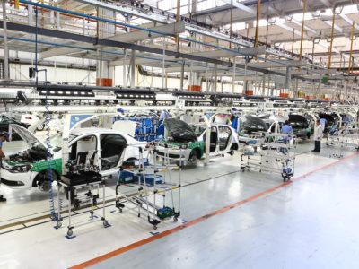 Fabricantes de veículos paralisam suas fábricas em razão do coronavírus