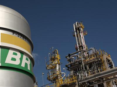 Petrobras (PETR4) mantém meta de endividamento, diz Castello Branco