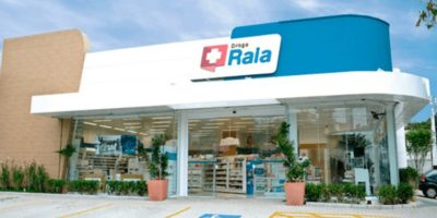 Após anúncio de abertura de 240 lojas em 2020, Raia Drogasil registra alta de mais de 3%
