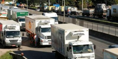 Carreata em SP é ameaça de nova greve dos caminhoneiros