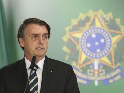Privatização começará pelos Correios, diz Bolsonaro