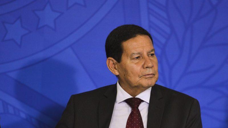Venezuela: Bolsonaro convoca reunião de emergência para discutir crise no país